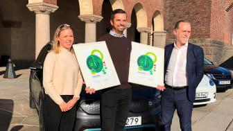 Johanna Grant, ordförande Gröna Bilister, Adnan Hurtic, produktchef Kia Motors Sweden och Daniel Helldén (MP), trafikborgarråd Stockholm.