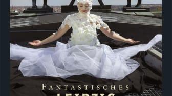 """Titelseite des Kalenders """"Fantastisches Leipzig"""" 2018 auf dem Kroch-Hochaus"""