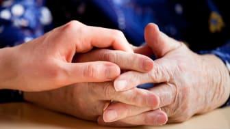 Kumla satsar för att säkra kompetensen inom äldreomsorgen