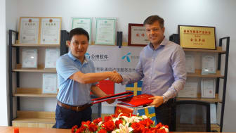Mr. Lin Gonggeng, CEO, GongTian and Seth Ryding, Head of Region Asia-Pacific, Telenor Connexion.