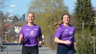 Cajsa och Vendela springer mot Alzhiemers sjukdom. Foto: Lotta Rosenberg-Linnér
