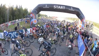 Elitledets start av Cykelvasan 90 i Berga by, Sälen 15 augusti 2015 kl 08.00