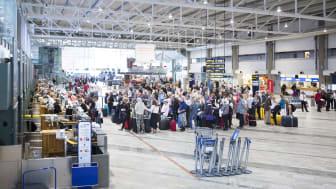 2 765 000 människor reste utrikes via Swedavias flygplatser i juni 2017. Foto: Peter Phillips