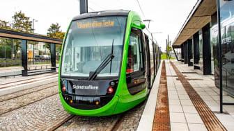 Spårvagnen Åsa-Hanna testkörs i Lund med stop vid hållplatsen Ideontorget. Bild: Kristina Strand Larsson