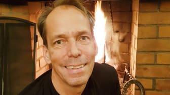 – Skälet att jag ville ha en kolsyresläckare är att den inte smutsar ner. Det gör att man aldrig behöver tveka att använda den av det skälet, säger Andreas Westberg innovatören bakom brandsläckaren Firemill.