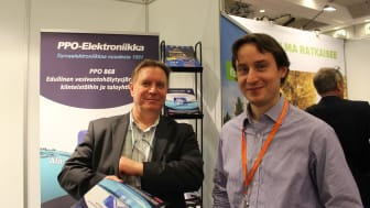 Kimmo Konttinen (vas.) ja Tapio Halmela (oik.) tarjosivat tietoa taloyhtiöiden turvallisuudesta.