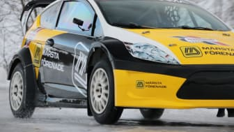 Alex Westlund i samarbete med Märsta Förenade på väg mot guldet i Rallycross.