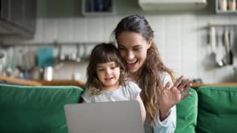 Forskarna från Linköpings universitet har analyserat familjemedlemmars verbala och kroppsliga samspel i videosamtal.