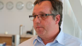 Stefan Ibold beantwortet Fragen zum Thema Windsogsicherung. Foto: DDH