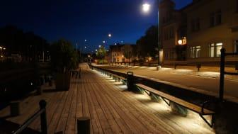 Ronneby belyser konstverk och bänkar med en ny typ av LED-effektbelysning!