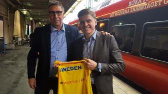 Jan Larsson, Marknadschef SFIF och Mats Johannesson, VD MTR Express. Foto: Gustav Orbring