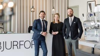 Caroline Stark tar ett steg upp och blir ny försäljningschef för Bjurfors Skåne, tillsammans med Per Ekvall Jangvert (till vänster) och Fredrik Josefsson.