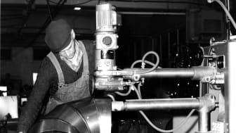 Lindab blev etableret i Båstad, Sverige i 1959 som producent af byggekomponenter i tynd-pladestål. I dag er virksomheden markedsledende leverandør til byggeriet i 32 lande verden over.