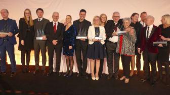 Bester Stimmung: Die Gewinner des Maritim Award beim 18. Ideenmarkt für Gruppen- und Bustouristiker. Die renommierte Branchenveranstaltung fand diesmal im Maritim Hotel Stuttgart statt.