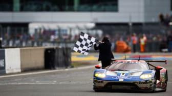 Ford GT kydser målstregen som vinder