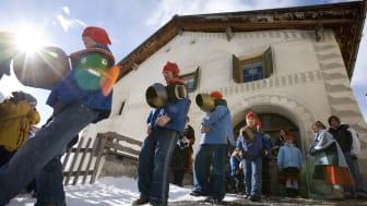 Chalandamarz in Graubünden - Winterbräuche in der Schweiz