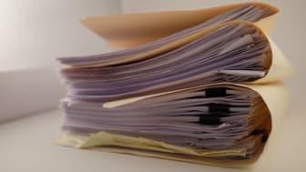 Die digitale Akte löst Papierberge ab. Abb.: DMSFACTORY