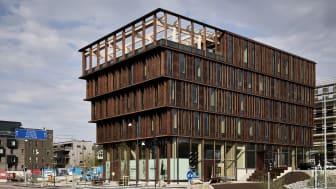 Next Step Groups träbyggnad Nodi blir navet i den expansiva stadsdelen Nya hovås utanför Göteborg.