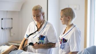 De är viktigt att ge stöd till nyutbildade sjuksköterskor
