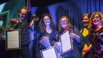 Dennis Teunissen (3:e pris), Elin Åkerberg (1:a pris), Annika Kaspersson Nilsson (2:a pris), Karin Lindskog (projektledare Inramningsgruppen) och Anne Sahlgren (juryns ordförande).