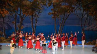 S:t Petersburg Festival Ballet ger två av tidernas mest älskade balettföreställningar