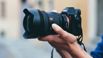 A Sony aumenta a sua gama de objetivas full-frame com o lançamento da 12-24mm G Master™, o zoom mais amplo do mundo com uma abertura constante de F2.8