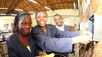 """Die SOS-Kinderdörfer arbeiten engagieren sich für Afrika: """"Nur Arbeitsplätze und Beschäftigigung können einen nachhaltigen Aufschwung gewährleisten."""" (Foto: SOS-Kinderdörfer weltweit)"""