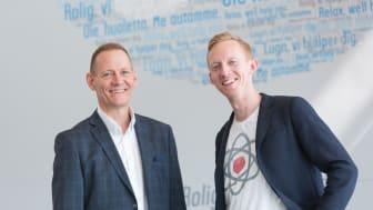 Ansvarlig for Bilkanalen i If Skadeforsikring, John Darly, og CEO i Connected Cars, Mads F. Gregersen, ser frem til at tilbyde bilejerne en nem, digital måde at få styr på bil og bilforsikring på.
