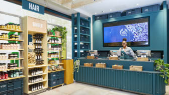 Natura &Co – Aesop, Avon, Natura och The Body Shop går ihop i kampanjen Isolated Not Alone. Bild The Body Shop, Bond Street, London.