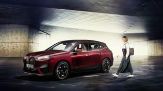 BMW iX: Nye digitale løsninger setter nye standarder