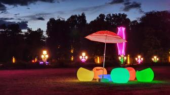 Farbenfroh geht es zu im Optikpark Rathenow. Foto: Katja Brunow.