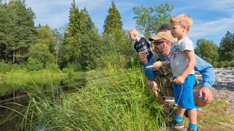 - Museumssommeren blir full av aktiviteter og opplevelser, forsikrer Stein Tore Andersen ved Anno Norsk skogmuseum. (Foto: Bård Løken)
