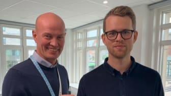 Magnus Johansson, Dahl Sverige AB, tillsammans med Simon Granath, projektledare för smarta vattenmätare på VA SYD.
