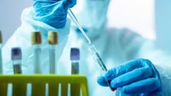 Det råder plastbrist i världen, vilket bland annat drabbar sjukvården. Det är särskilt risken för brist på plastpipetter för laboratorietester som oroar.