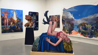 """Blick in die Ausstellung """"VOIX"""" des Künstlerinnenkollektivs MalerinnenNetzWerk Berlin-Leipzig im Museum der bildenden Künste Leipzig © Luise Karwofsky"""