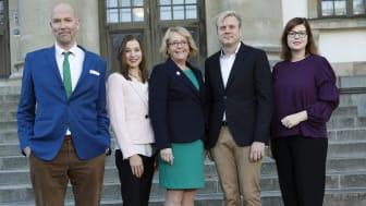 Gustav Hemming (C), Ella Bohlin (KD), Irene Svenonius (M), Tomas Eriksson (MP) och Anna Starbrink (L)