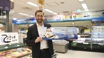 Sjømatrådets Gunvar Lenhard Wie promoterer norsk makrell i Sør-Korea