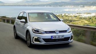 Volkswagens skærer nu 36.000 kr. af prisen på hybridbilen Golf GTE