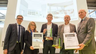 Siegerehrung Sonderpreis FOKUS.GESUND BAUEN (Copyright: GHM Gesellschaft für Handwerksmessen mbH, München)