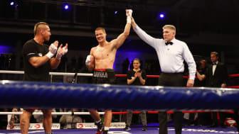 Kai Robin Havnaa vant på knockout mot Daniel Vencl fra Tsjekkia under The Homecoming i Sør amfi i februar. Lørdag møter han tyske  Frank Bluemle. Foto: NTB/Scanpix