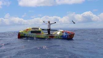 Hi-res image - Lia Ditton celebrates just before reaching Waikiki Yacht Club, Hawaii