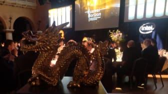 10 vinnare fick varsin Gulddrake vid Huawei Nordic Partner Summit Horizon 2020. (Foto: Anna. Idbrant/Huawei)
