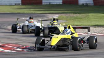 Simon Ohlin segrade i sista racet i Formula STCC Nordic
