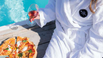 The Winery Hotel lär dig hitta vinet som lyfter smakerna i pizzan och att toppa pizzan så att vinet träder fram
