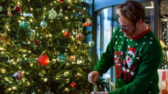 Trendstefan tolkar julen 2020 på Clarion Hotel Sign