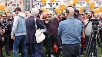 Skäggparaden på internationella skäggdagen väckte stort intresse i svenska medier! Foto: Jacob Rossbäck