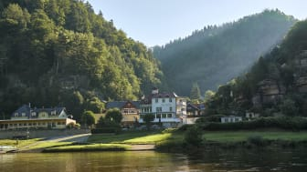 Bad Schandau: Schmilka, Elbe with view of the bank