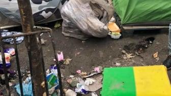 Många blev av med alla sina tillhörigheter när polisen slog till mot tältlägret i Paris.