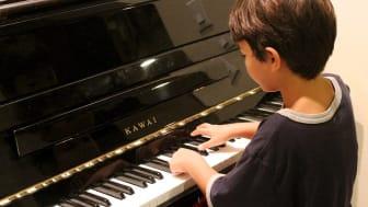Kulturskolan satsar nu på digitala pianokurser för att göra ämnet mer lättillgängligt.