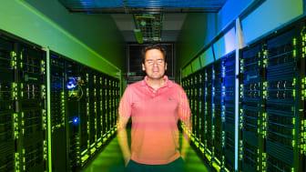 Bo Durbeejs forskning inom teoretisk kemi bedrivs på superdatorer vid Nationellt superdatorcentrum i Linköping.